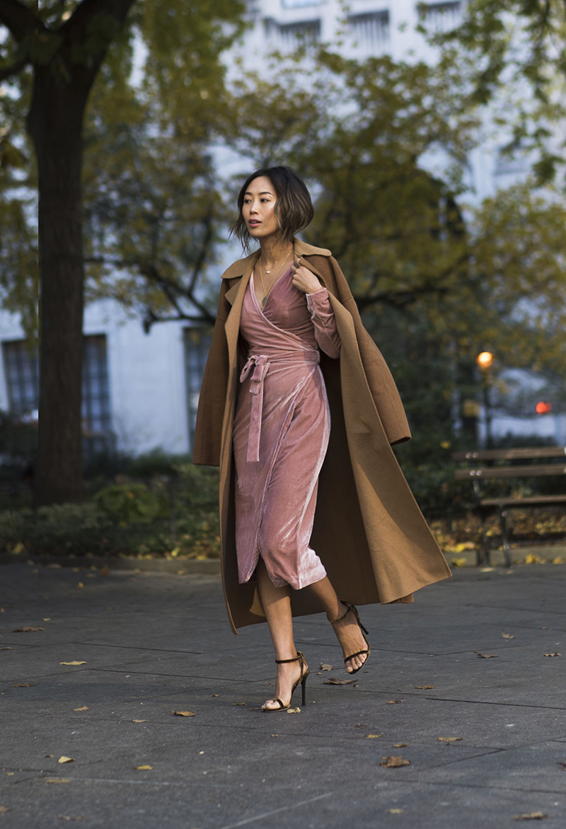 Photo: Song Of Style http://www.songofstyle.com/2016/11/pink-velvet-moment-new-york-city.html